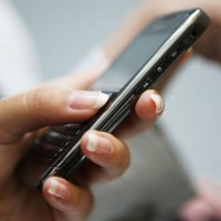 Pinjam Uang Bisa Lewat Ponsel