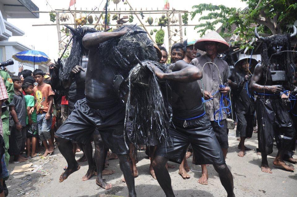 Upacara Adat Unik di Indonesia