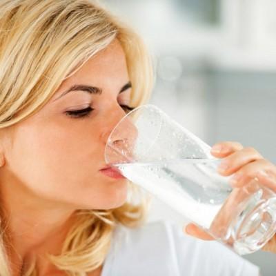 Manfaat Air 2 Liter Per Hari