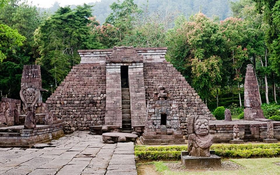 Ada Bangunan 'Suku Maya' di Karang Anyar