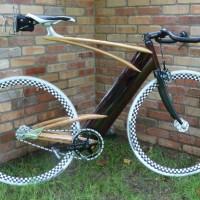 Sepeda Terpanjang di Kediri Pecahkan Rekor
