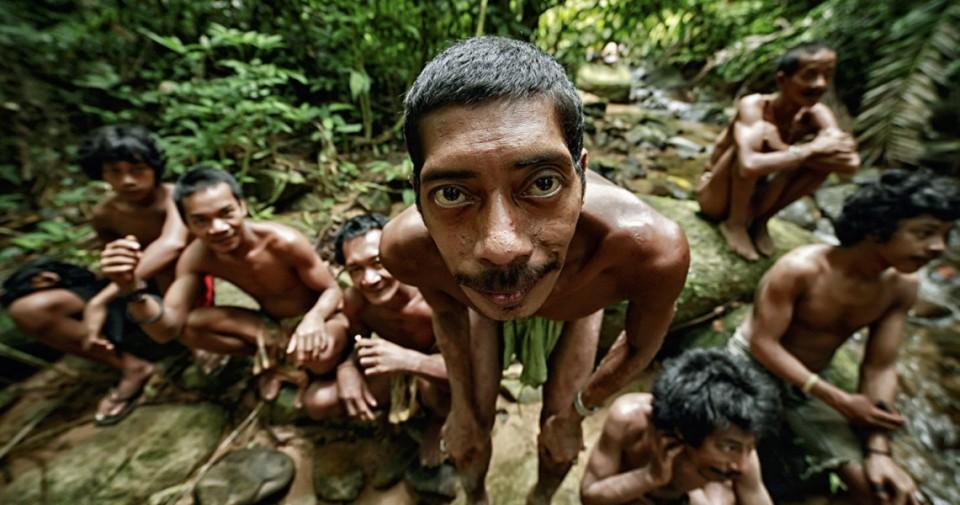 Tujuh Suku Nusantara Terancam Punah