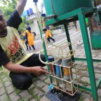 Eksplorasi Warga Kelurahan Rancabolang  dan Converstick Kang Kustiawan