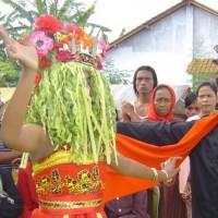 Buang Sial Dengan Ritual Seblang di Banyuwangi